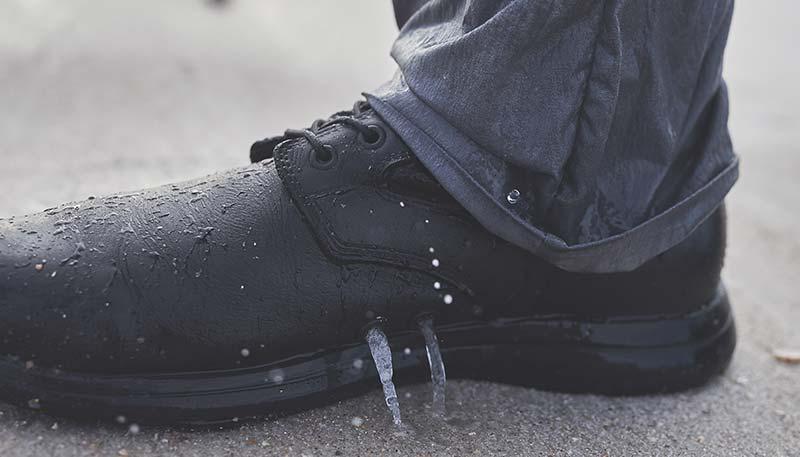 jungle boots drain holes
